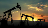 Oil extraction — Stock Photo