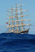 Sailing ship on the big ocean waves — Foto Stock