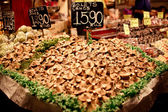 Famous La Boqueria market with mushrooms — Stock Photo