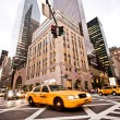 gele taxi's in new york — Stockfoto