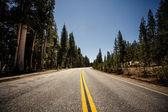 ヨセミテ国立公園の高速道路 — ストック写真