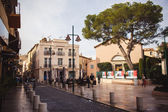 Street with small restaurants in Saint Tropez — Stock Photo