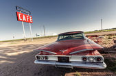 Cafe sign and red retro car along Route 66 — Stock Photo