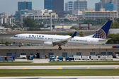 United Airlines Boeing 737-800 — Stock Photo