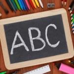 ABC på en svart tavla eller svarta tavlan — Stockfoto