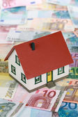 Symbol for home financing (Euro) — Stock Photo