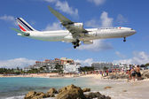 Air France Airbus A340-300 landing St. Maarten — Stock Photo