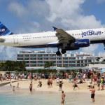 JetBlue Airbus A320 landing St. Maarten — Stock Photo #47850131