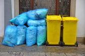 Garbage cans — Stockfoto