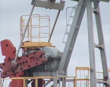 Dispositif d'extraction huile spéciale. ressources de la terre industrie minière. — Vidéo