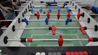 Kids play table football — Stock Video