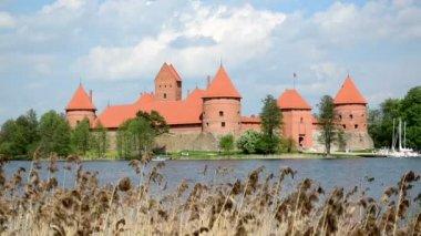 Trakai castle island lake — Stockvideo