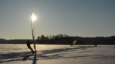 Ice sailer surf frozen lake snow wonderful sunset modern hobby — Stock Video