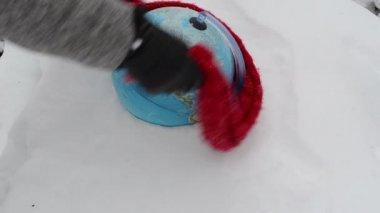 Hand earth globe snow — Stock Video