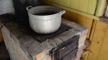 ポット農村キッチン — ストックビデオ
