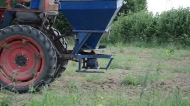 Machine seed sow field — Stock Video