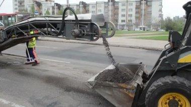 Cold planner asphalt — Stock Video