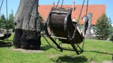 Woman old swing — Stock Video