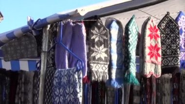 Gloves wool stall — Stock Video