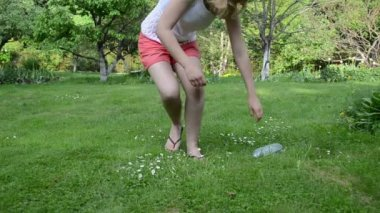 Woman drink water pet — Stock Video