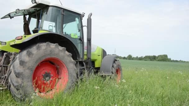 Tractor — Vídeo de stock