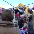 Girls hat gloves market — Stock Video