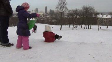 Hill sledge girl winter — Stock Video