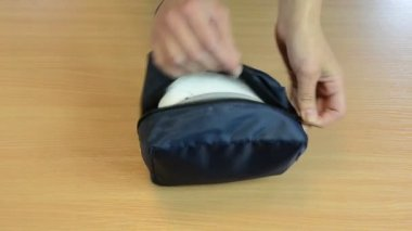 Nurse hands pressure tool — Stock Video