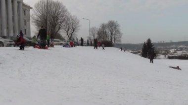 Winter hill sledge — Stock Video