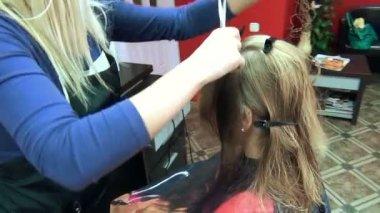 Stylist hair model — Stock Video