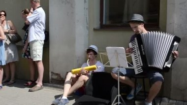 Street musician people — Stock Video