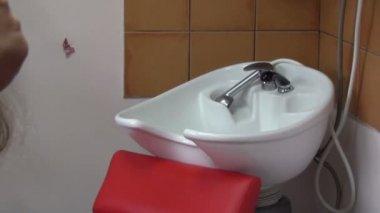 Girl hair dry blow dryer — Stock Video