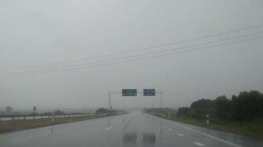 雨秋季挡风玻璃车 — 图库视频影像