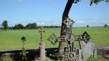 Old moss cross cemetery — Vídeo Stock