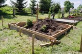 Fresh grave soil and foundation in cemetery  — Foto Stock