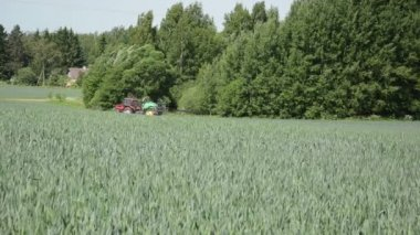Tractor field corn — Vidéo