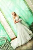Bella sposa al chiuso — Foto Stock