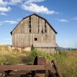 Old weathered barn. — Stock Photo