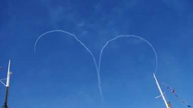 Air show heart loop. — Wideo stockowe