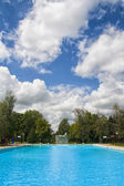 Outdoor swimming pool — Stockfoto
