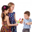 Two girls and boy with ice cream - Stockfoto