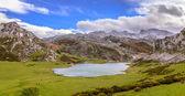 Ercina Lake from La Picota — Stockfoto