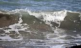 Vlny ve středozemním moři — Stock fotografie