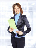 хороший бизнес женщина с документами в офисе. — Стоковое фото