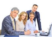 Skupina podnikatelů z uzavření transakce. — Stock fotografie