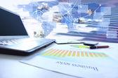 Wykresów, wykresy, biznes tabela. w miejscu pracy ludzi biznesu — Zdjęcie stockowe