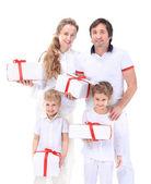 Familj, jul, x-mas, vinter, lycka och människor-konceptet — Stockfoto