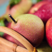 Ripe pear close-up — Stock Photo