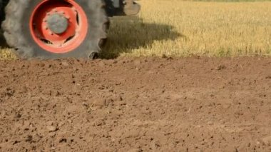 Tractor in the summer end tillage — Stock Video