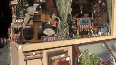 Antique market window in old town — Stock Video